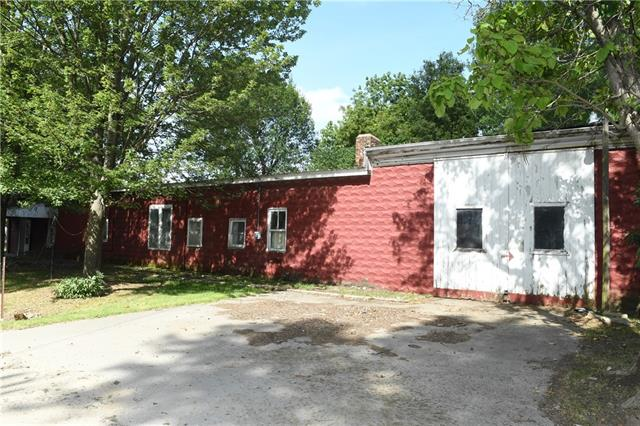 200 S College Street Property Photo