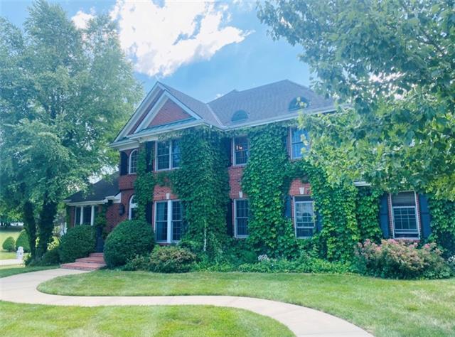 4608 N Lakewood Drive Property Photo 1