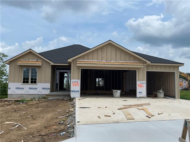 8805 N Elmwood Avenue Property Photo