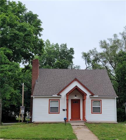 5801 Woodland Avenue Property Photo