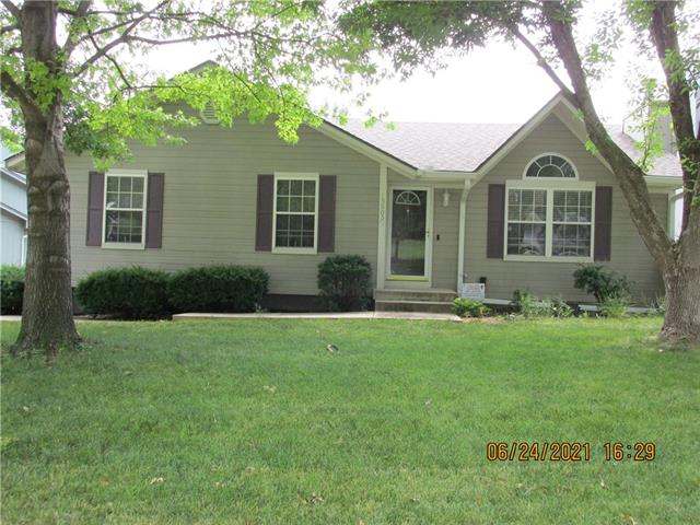 15805 E 2nd Street S Property Photo