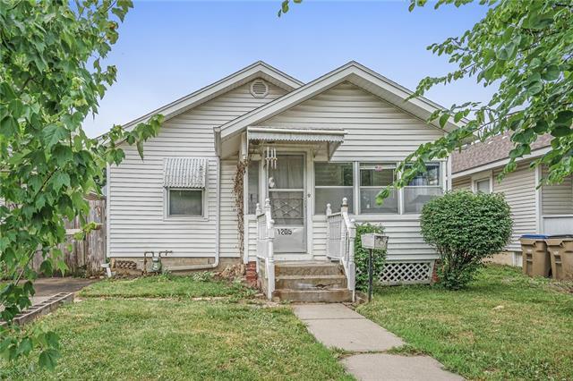 1205 E 24th Avenue Property Photo