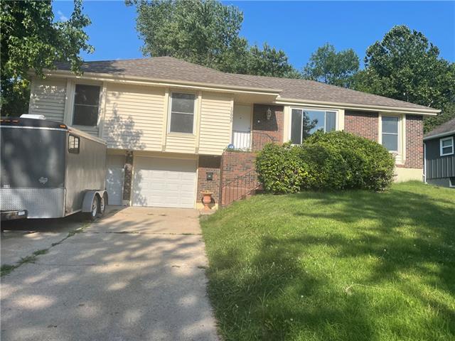10805 Bellaire Avenue Property Photo