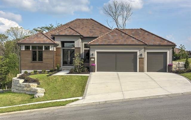 5834 N Lucerne Avenue Property Photo