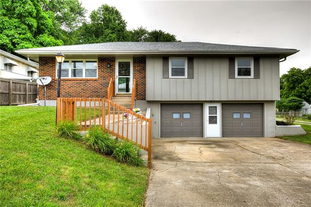 7510 Oak Street Property Photo