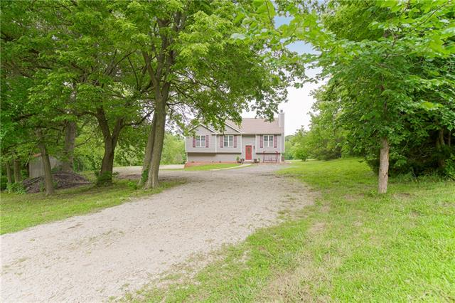 Chez La Terre Real Estate Listings Main Image