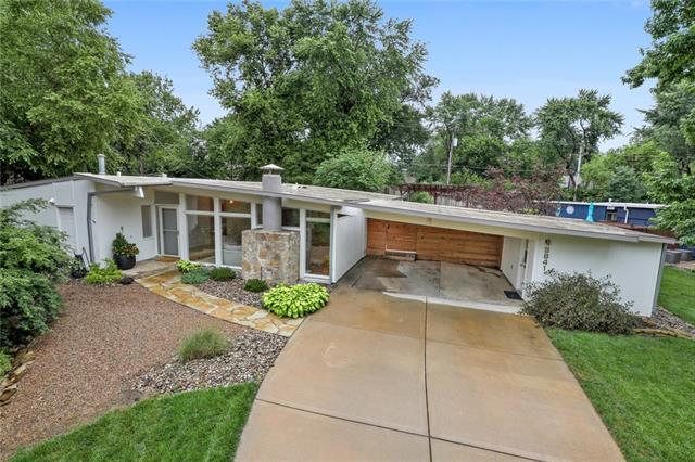 9841 Chadwick Drive Property Photo 1