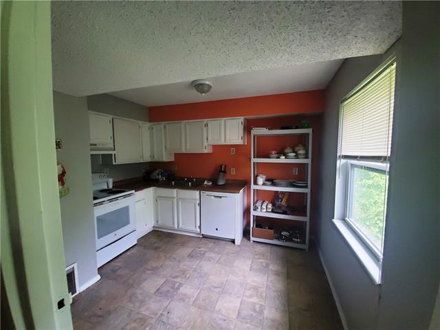 1500 E 29th Street Property Photo 20