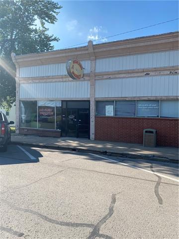 318 W Main Street W Property Photo