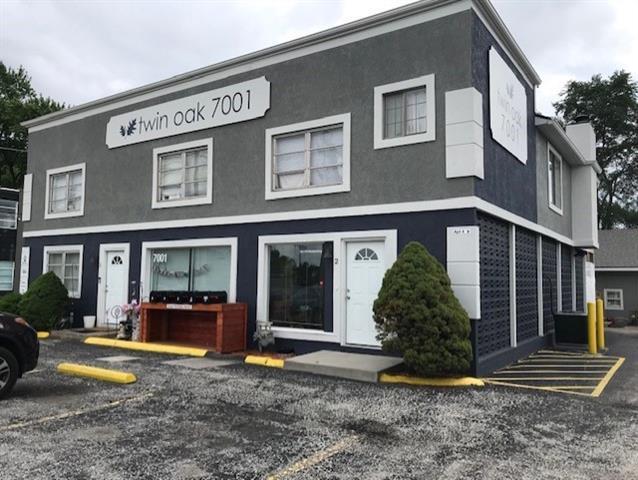 7001 W 76 Street Property Photo