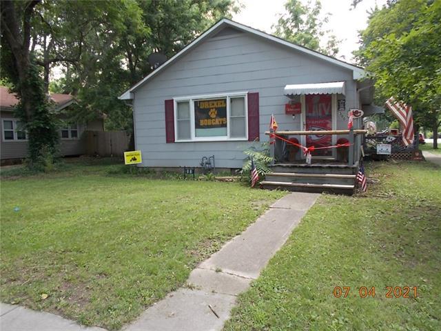300 E Elm Street Property Photo
