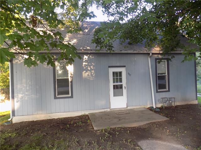 907 Main Street Property Photo