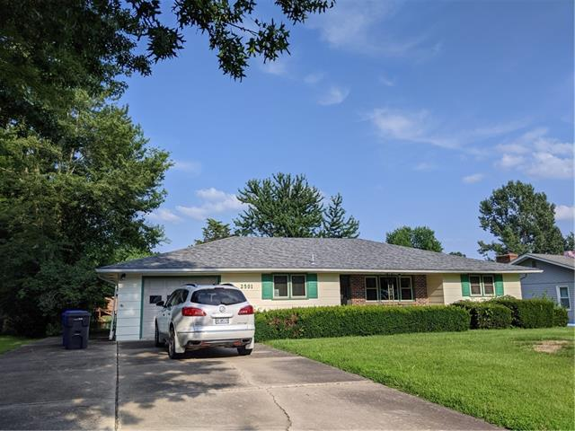 2501 S Quincy Avenue Property Photo