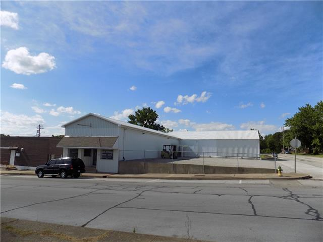 207 E Spring Street Property Photo