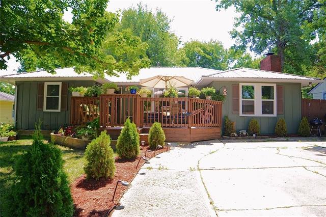 303 E Indiana Street Property Photo