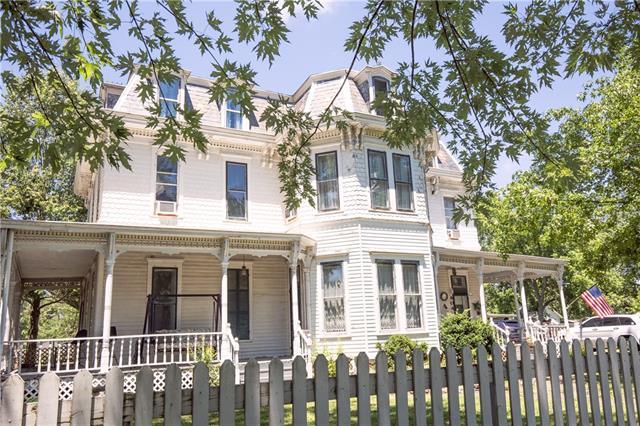 604 E Kansas Avenue Property Photo