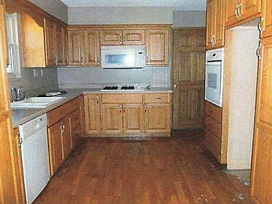 903 Oak Street Property Photo 2
