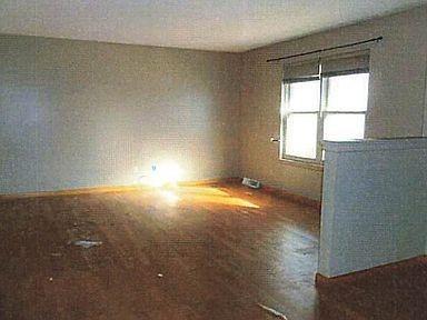 903 Oak Street Property Photo 3