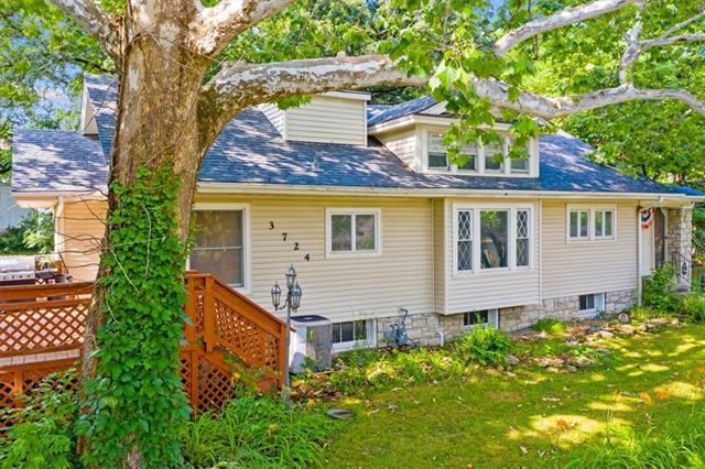 3724 Ne 42nd Terrace Property Photo