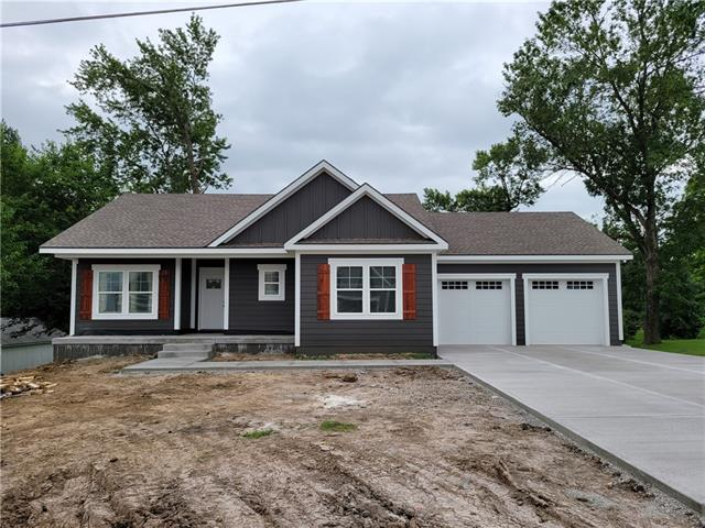 15911 E Cogan Lane Property Photo 1