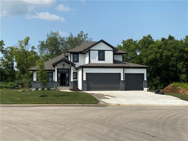 901 Se Larue Street Property Photo 1