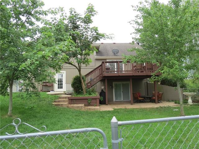 1401 E 2nd Street Terrace Property Photo 2
