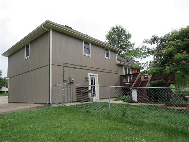 1401 E 2nd Street Terrace Property Photo 3