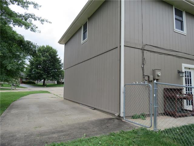 1401 E 2nd Street Terrace Property Photo 22
