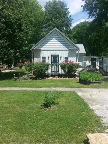 762 Center Street Property Photo