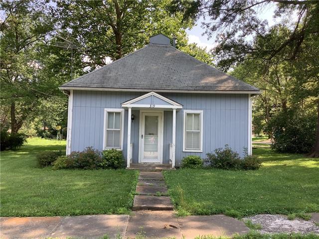 319 W Walnut Street Property Photo
