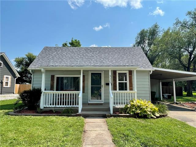 325 E Mill Street Property Photo