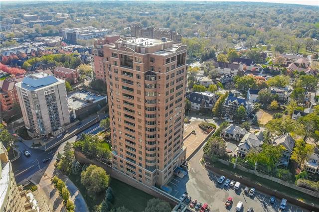 400 W 49th Terrace Property Photo