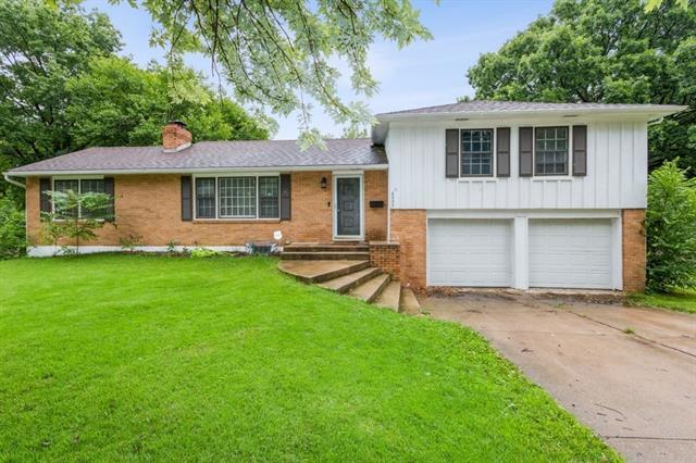 6005 Laurel Avenue Property Photo 1