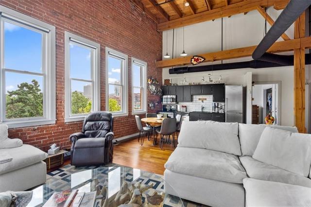 510 Delaware Street Property Photo