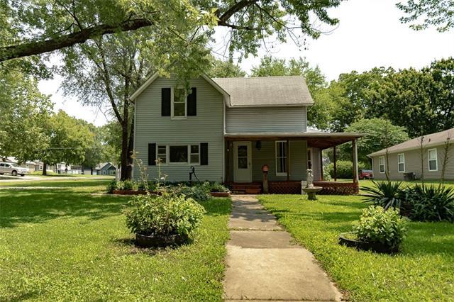 N 833 Oak Street Property Photo