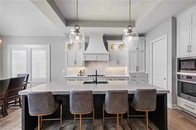 2148 W 89th Terrace Property Photo 1