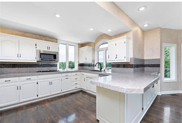 901 Sw Trailridge Drive Property Photo 8