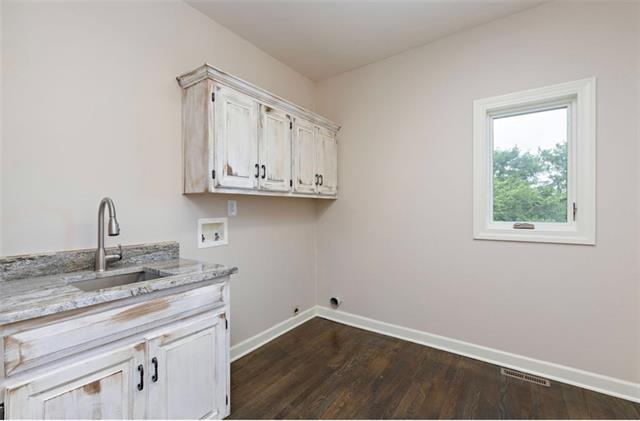 901 Sw Trailridge Drive Property Photo 9