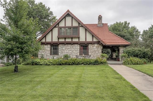 4001 Gladstone Boulevard Property Photo
