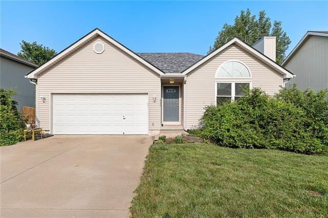 N 435 Queen Ridge Avenue Property Photo 1