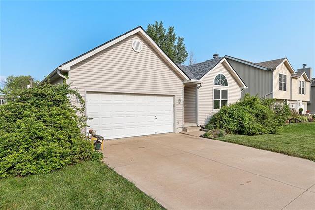 N 435 Queen Ridge Avenue Property Photo 2