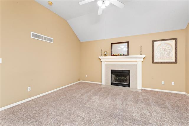 N 435 Queen Ridge Avenue Property Photo 3