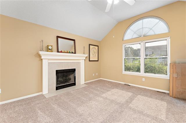 N 435 Queen Ridge Avenue Property Photo 5