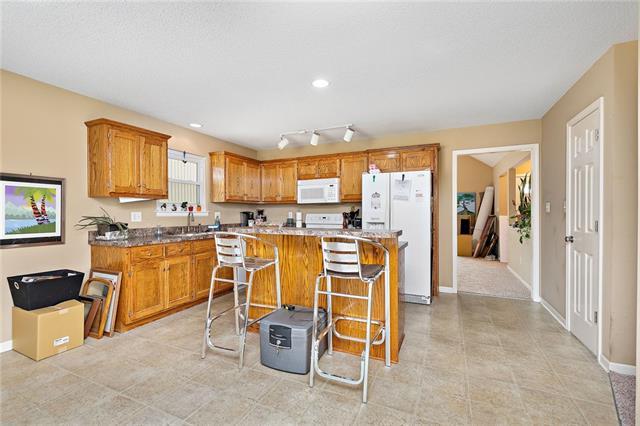 N 435 Queen Ridge Avenue Property Photo 6