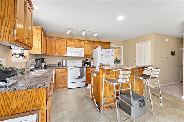 N 435 Queen Ridge Avenue Property Photo 7