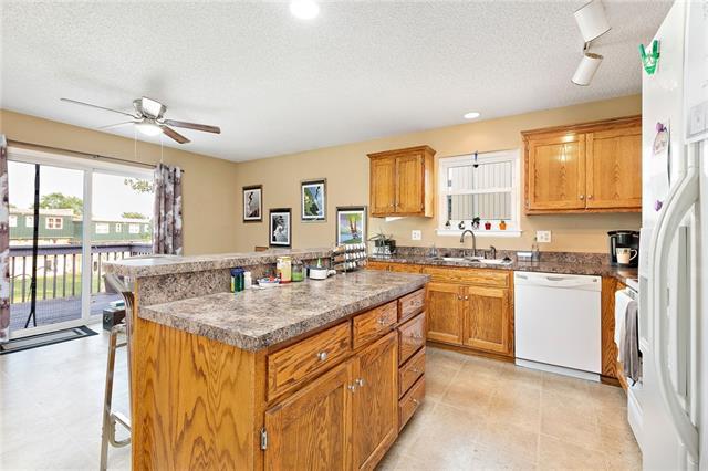 N 435 Queen Ridge Avenue Property Photo 8