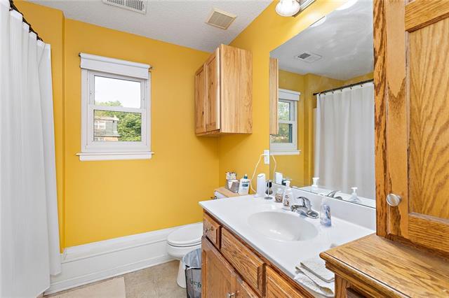 N 435 Queen Ridge Avenue Property Photo 12