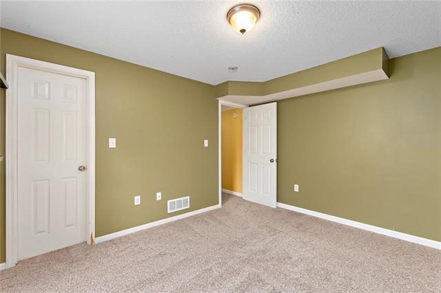 N 435 Queen Ridge Avenue Property Photo 14
