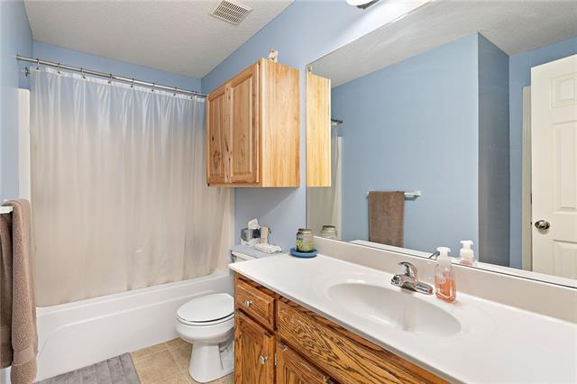 N 435 Queen Ridge Avenue Property Photo 15