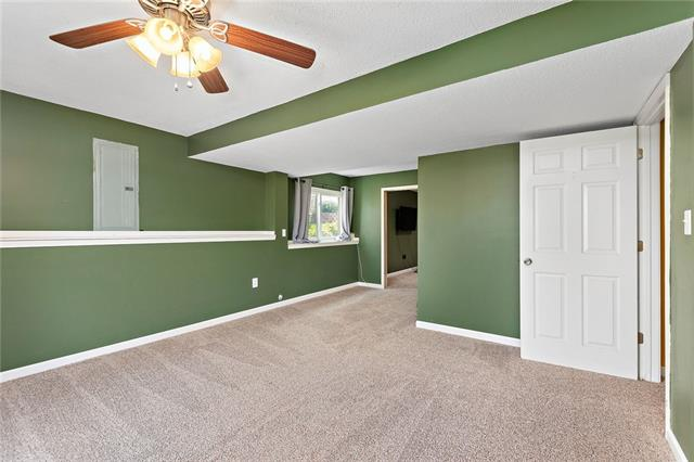 N 435 Queen Ridge Avenue Property Photo 19